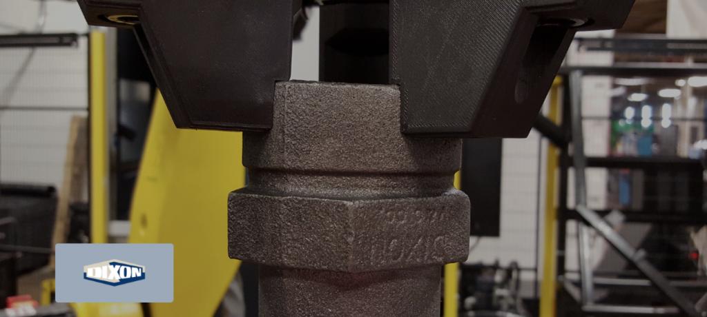 マシニングでの固定用の工具