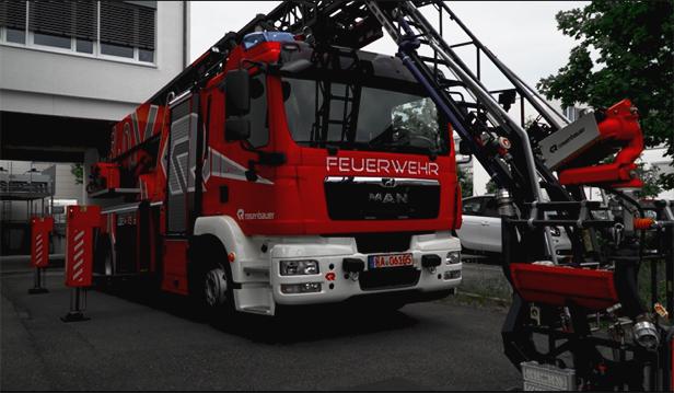 EinScan Pro HDを使用したローゼンバウアー消防車のカスタマイズ
