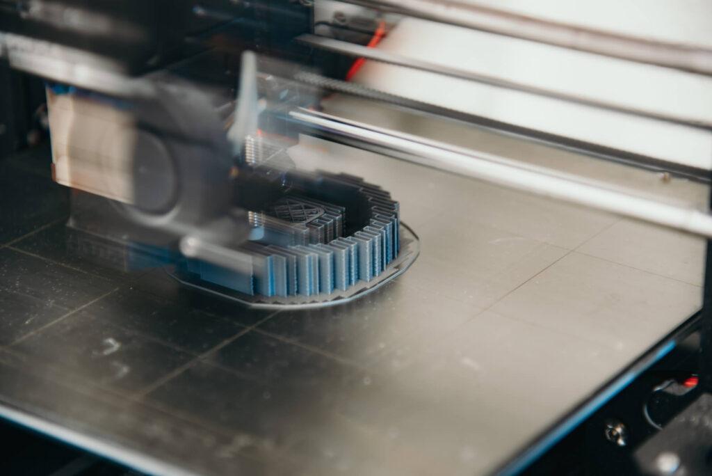 3Dプリンターのラフトの役割とは?メリットやデメリットを解説