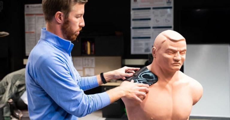 3Dプリンターでカスタム医療保護部品の製作